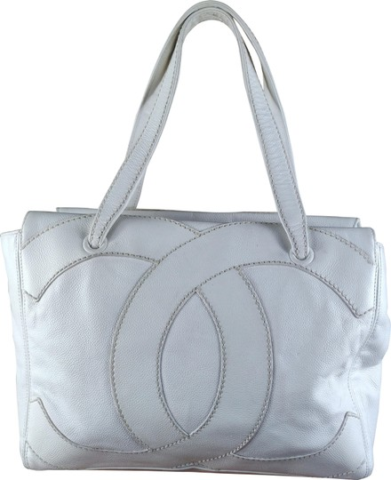Chanel Tote in white Image 0