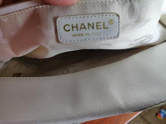 Chanel Tote in white Image 10