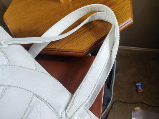 Chanel Tote in white Image 5