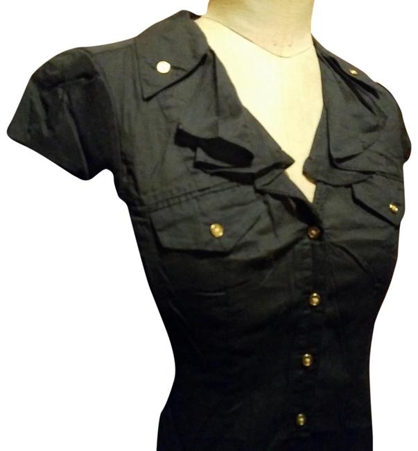 Preload https://img-static.tradesy.com/item/24215717/express-black-gold-buttons-button-down-top-size-2-xs-0-3-650-650.jpg