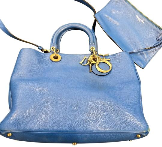Preload https://img-static.tradesy.com/item/24216121/dior-diorissimo-smooth-blue-calfskin-leather-tote-0-1-540-540.jpg