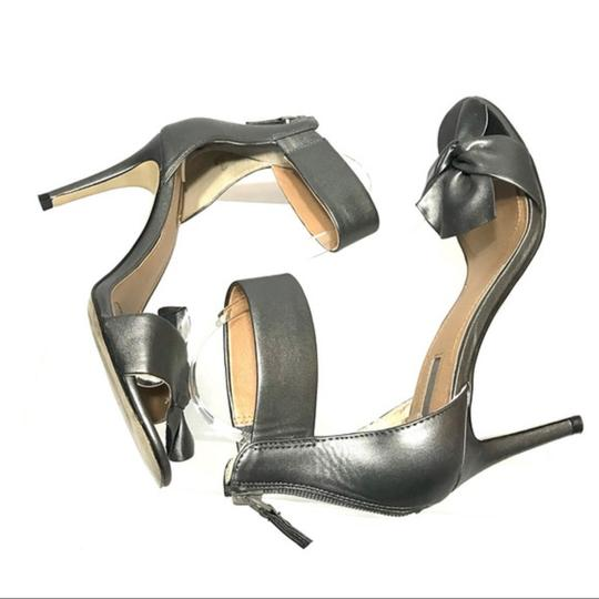 Tahari Bow Accent Ankle Strap Back Zip Closure Gray Sandals Image 7