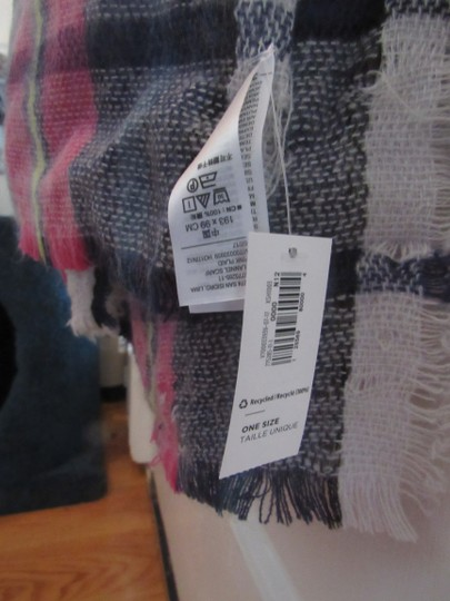 Old Navy oversize scarf Image 1