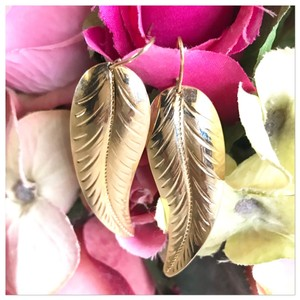 Sarah Coventry feather earrings