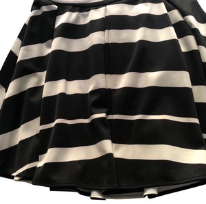 Collective Concepts Skirt Black and beige