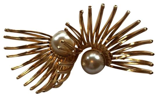 Preload https://img-static.tradesy.com/item/24217077/napier-gold-vintage-50-s-dimensional-burst-brooch-0-1-540-540.jpg