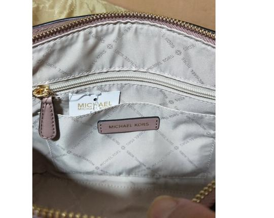 Michael Kors Satchel in beige Image 4