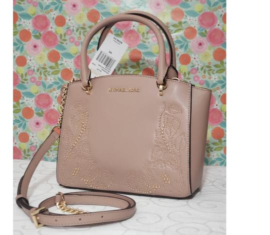 Michael Kors Satchel in beige Image 8