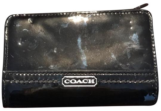 Preload https://img-static.tradesy.com/item/24217747/coach-black-patent-leather-wallet-0-1-540-540.jpg