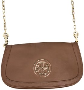 8f89e7ffce9 Tory Burch Amanda Crossbody Bags - Up to 70% off at Tradesy
