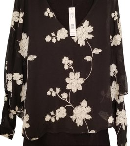 August Silk New With Tags Plus-size Flower Top Black