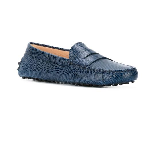 Preload https://img-static.tradesy.com/item/24219953/tod-s-blue-gommini-moccasino-drivers-355eu-flats-size-us-65-regular-m-b-0-0-540-540.jpg