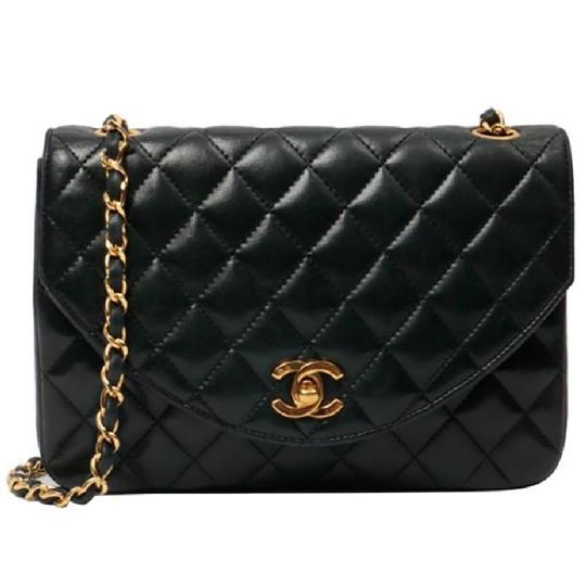 Preload https://img-static.tradesy.com/item/24220194/chanel-classic-vintage-lambskin-quilted-flap-black-leather-cross-body-bag-0-0-540-540.jpg