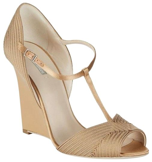 Preload https://img-static.tradesy.com/item/24220248/giorgio-armani-subtle-goldbeige-texured-wedge-pumps-size-us-85-regular-m-b-0-1-540-540.jpg
