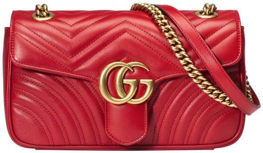 Preload https://img-static.tradesy.com/item/24220280/gucci-marmont-new-gg-small-hibiscus-red-leather-shoulder-bag-0-1-540-540.jpg