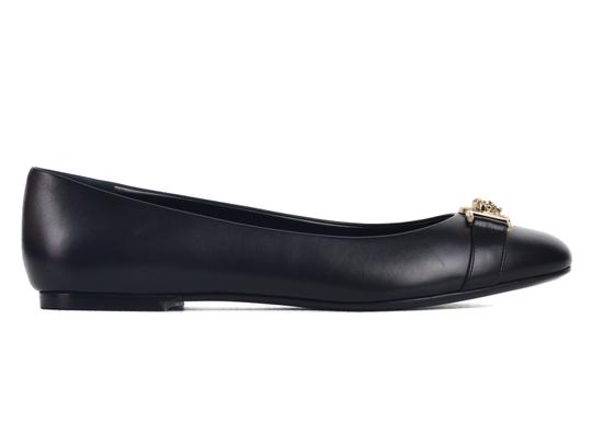 Preload https://img-static.tradesy.com/item/24220324/versace-black-women-s-leather-ballerina-with-lion-head-c2610-flats-size-us-10-regular-m-b-0-0-540-540.jpg