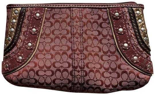 Preload https://img-static.tradesy.com/item/24220438/coach-signature-soho-g0769-f11517-burgundy-canvasleathersuede-wristlet-0-2-540-540.jpg