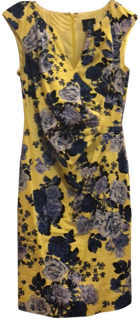 Preload https://img-static.tradesy.com/item/24220543/adrianna-papell-yellow-with-navy-and-cornflower-floral-print-sheath-mid-dress-mid-length-workoffice-0-1-650-650.jpg