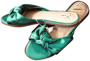 A New Day Fashionista Emerald Green Sandals