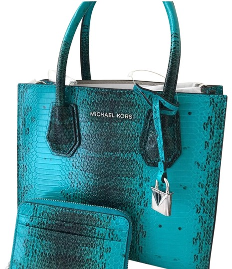 Preload https://img-static.tradesy.com/item/24221662/michael-kors-new-2-piece-set-mercer-snake-embossed-crossbody-tile-blue-leather-satchel-0-1-540-540.jpg