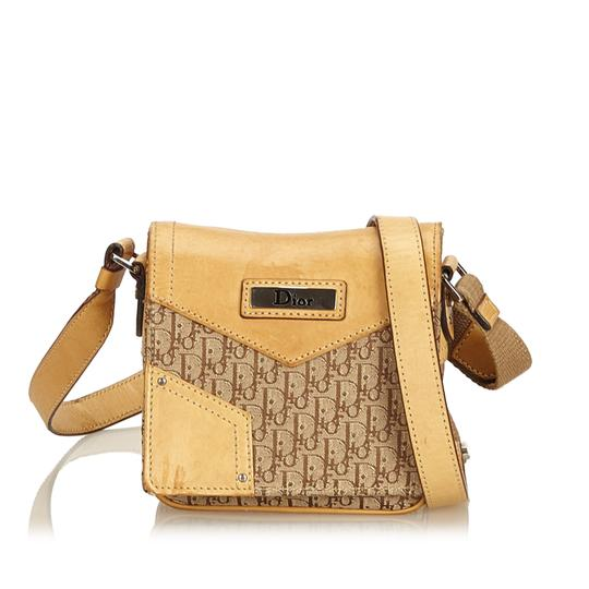 Preload https://img-static.tradesy.com/item/24221858/dior-oblique-crossbody-brown-fabric-x-canvas-x-leather-x-others-shoulder-bag-0-0-540-540.jpg