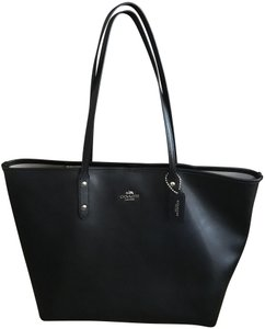 Coach Leather Tote in Black with gold hardware