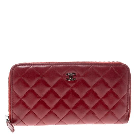 Preload https://img-static.tradesy.com/item/24221985/chanel-red-quilted-leather-zip-around-long-wallet-tech-accessory-0-0-540-540.jpg