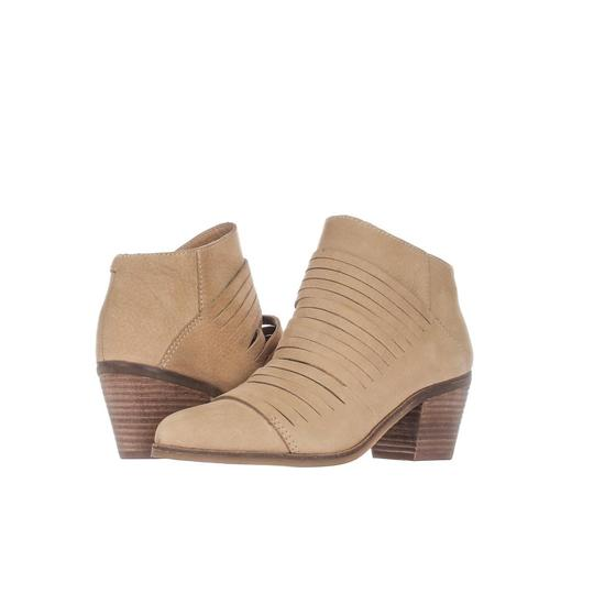 Preload https://img-static.tradesy.com/item/24222241/lucky-brand-beige-zavrina-multi-strap-ankle-f17-incense-display-bootsbooties-size-us-6-regular-m-b-0-0-540-540.jpg