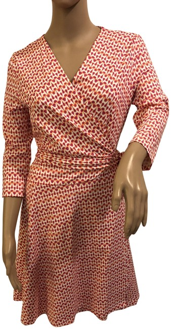 Preload https://img-static.tradesy.com/item/24222871/pink-and-white-print-wrap-short-casual-dress-size-2-xs-0-1-650-650.jpg
