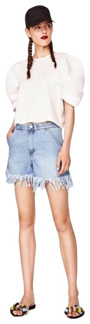 Preload https://img-static.tradesy.com/item/24223101/zara-denim-distressed-fit-shorts-size-4-s-27-0-1-650-650.jpg