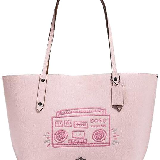 Preload https://img-static.tradesy.com/item/24223228/coach-market-keith-haring-boombox-ice-pink-tote-0-1-540-540.jpg