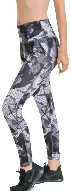 Item - Multi-color S Camo Yoga Squat Proof High Waist Yoga Pants Dj6121 Activewear Bottoms Size 4 (S, 27)