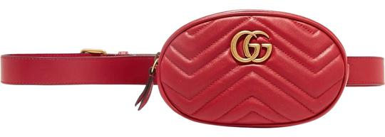 Preload https://img-static.tradesy.com/item/24223440/gucci-marmont-quilted-belt-red-leather-cross-body-bag-0-1-540-540.jpg
