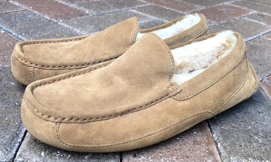 UGG Australia Leather Shearling Rubber Embossed Sole Mocs Tan Flats Image 1