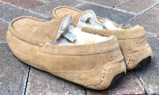 UGG Australia Leather Shearling Rubber Embossed Sole Mocs Tan Flats Image 3