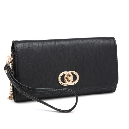 Preload https://img-static.tradesy.com/item/24223718/wallet-clutchwristlet-with-twist-lock-closure-black-faux-leather-wristlet-0-0-540-540.jpg