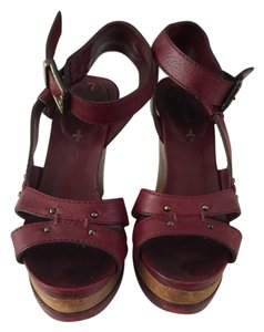 Chloé Burgundy Wedges
