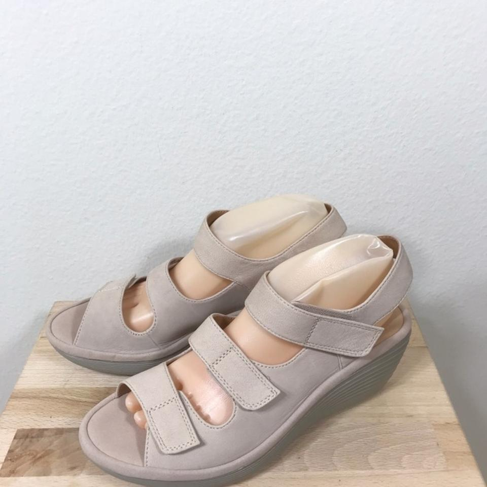 376796ee3fc Clarks Reedly Juno Leather Wedge 8.5w New Store Display Sandals Size US 8.5  Wide (C