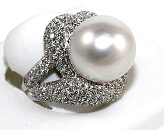 Preload https://img-static.tradesy.com/item/24226738/white-and-silver-south-sea-pearl-solitaire-wdiamond-halo-18k-wg-165mm-483ct-ring-0-3-540-540.jpg