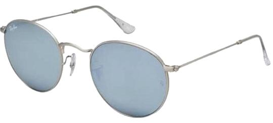 Preload https://img-static.tradesy.com/item/24227245/ray-ban-silver-8733166-sunglasses-0-1-540-540.jpg