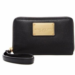 Marc Jacobs M0011320 CLASSIC LEATHER ZIP PHONE WALLET