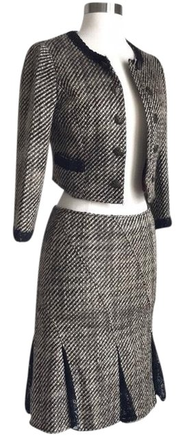 Preload https://img-static.tradesy.com/item/24231552/nordstrom-brown-intuitions-set-skirt-suit-size-0-xs-0-1-650-650.jpg