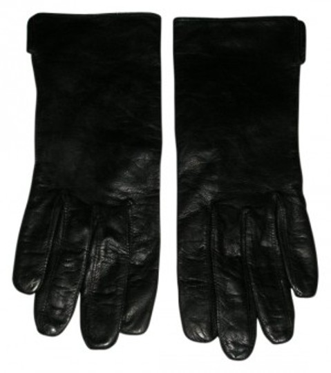 Preload https://item4.tradesy.com/images/coach-black-leather-silk-lined-gloves-24233-0-0.jpg?width=440&height=440