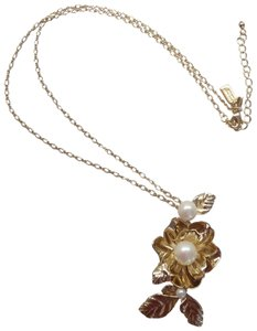 Kate Spade Kate Spade New Gold Flower with Pearls Necklace