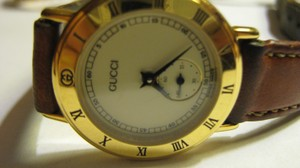 Gucci Timeless Women's Gucci Dress Watch Model 3000.2L Swiss Accurate Time