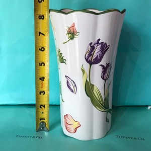 "Tiffany & Co. W Lg Porcelain Vase Scalloped Rim Petals Tulips and Sunflowers 8"" W/Packaging Decoration"