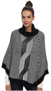Calvin Klein Geometric/Contrast Turtleneck Collar Southwestern Style Plush Warm Fabric Length 26 Inches Cape
