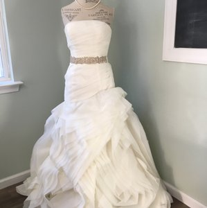 White by Vera Wang Ivory The Trumpet Organza Gown Feminine Wedding Dress Size 6 (S)