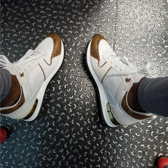 Louis Vuitton White and gold Athletic Image 3