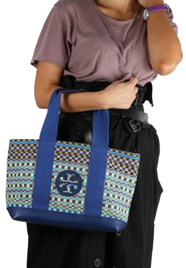 Preload https://img-static.tradesy.com/item/24239515/tory-burch-canvas-multicolor-leather-tote-0-1-540-540.jpg